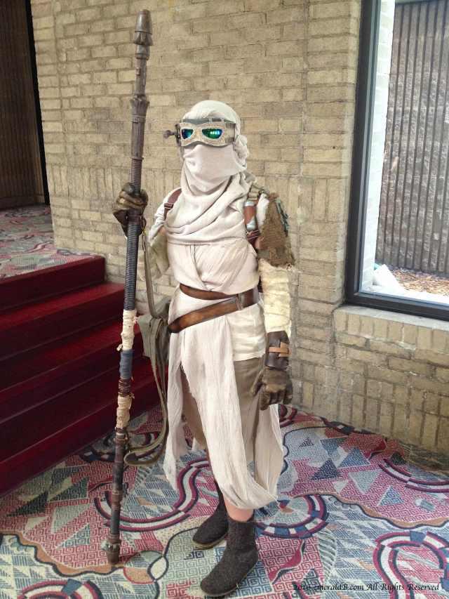 rey-scavenger-costume