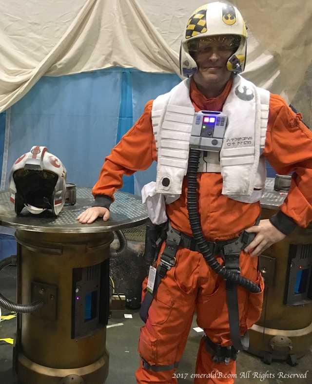 resistance X wing pilot