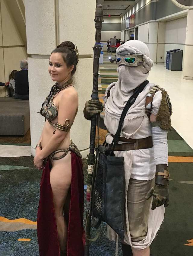 Rey with Slave Leia